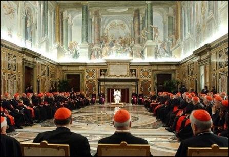 מועצת הותיקן. הנקודה הלבנה באופק היא האפיפיור