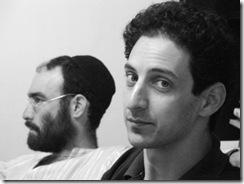 אסף פדרמן (משמאל: ידיד)
