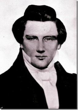 צילום של ג'וזף סמית, מייסד הכנסייה המורמונית, מ-1844. כפי הנראה היה באמת בחור נאה וכריזמטי למדי. לא סתם אנשים - ונשים (הוא נשא לפחות שלושים נשים) נהו אחריו