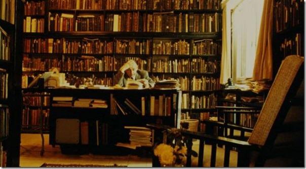 שלום בין ספריו